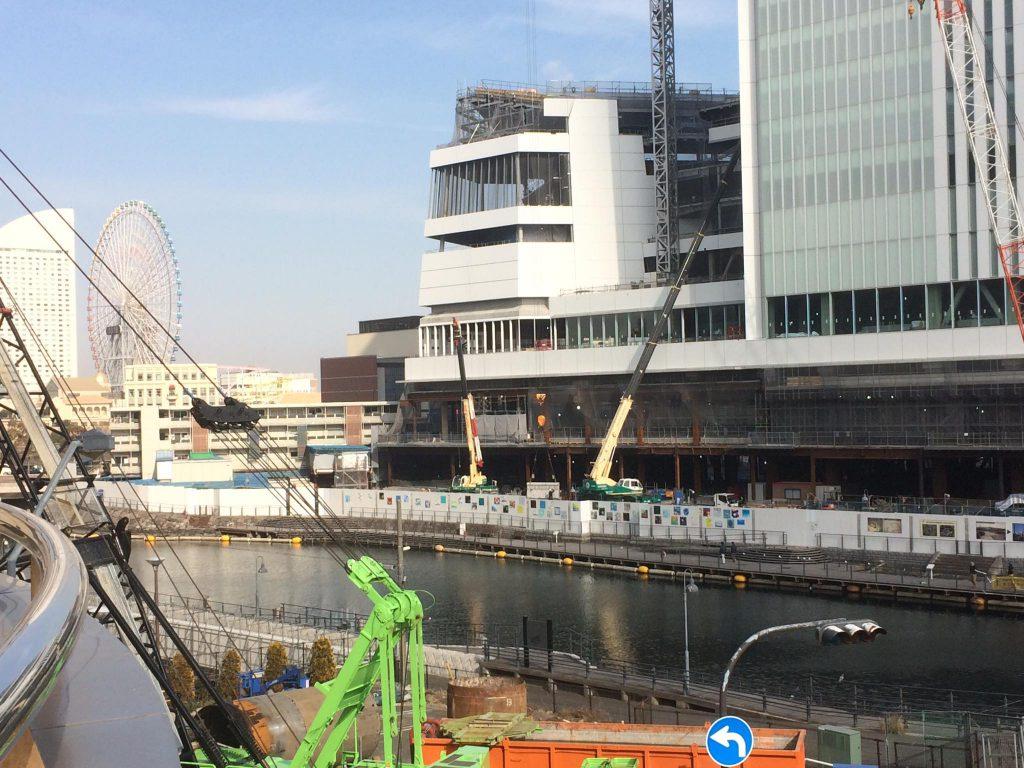 3、新市庁舎と並んでそびえる新市会棟、船をモチーフに。私には鉄人のような特徴的なイメージ。新市会棟で仕事をさせてください❗️横浜市会議員しみず富雄